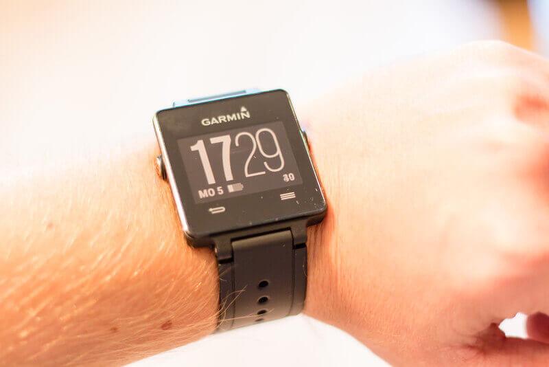 die garmin vivoactive im test smartwatch oder sportuhr. Black Bedroom Furniture Sets. Home Design Ideas