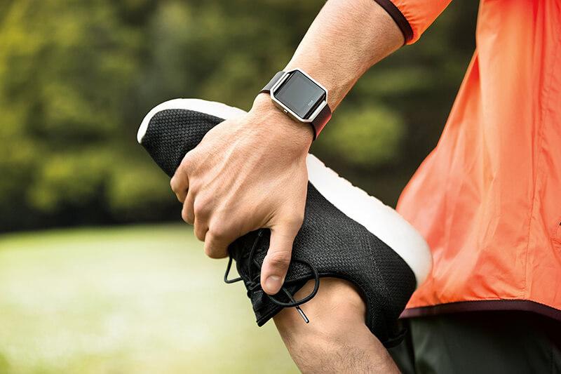 Fitbit Blaze beim Sport im Einsatz