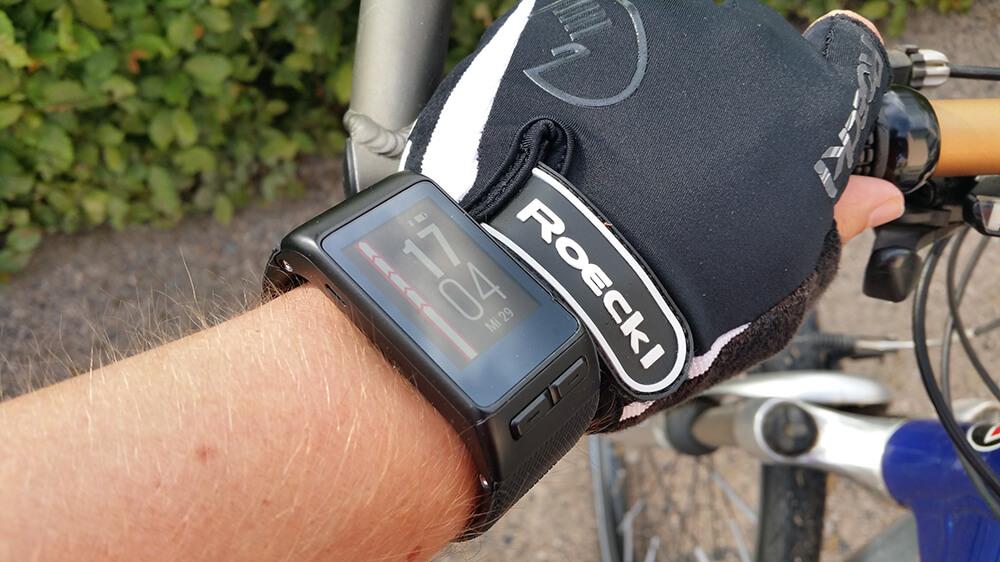 Mit dem Rad und Smartwatch unterwegs